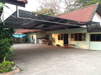 Hotel for Sale in Pa Sang, Lamphun - Hotel for sale, 26 rooms with 6 rai of land, near Saha Phat Industrial Estate, Lamphun, 18 million baht.