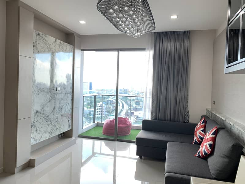 ** Corner room for sale ** Star View Condo, Star View Rama 3, luxury condo with private elevator, 2 bedrooms, 2 bathrooms, size 77 sqm. , Beautiful view, fully furnished, only 8.8 million