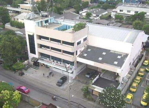 4-storey office building for sale with elevator Prachachuen warehouse