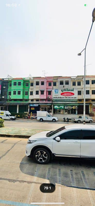 Commercial Building for Rent in Mueang Chai Nat, Chainat - Commercial building, prime location, on the main road, near the market