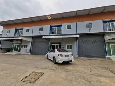 Factory for Rent in Lat Lum Kaeo, Pathumthani - Factory warehouse for rent on the road, Bang Khuluang Subdistrict, Lat Lum Kaeo District Pathumthani province, can request Rong. 4 certificate. There is an office and a bathroom inside.