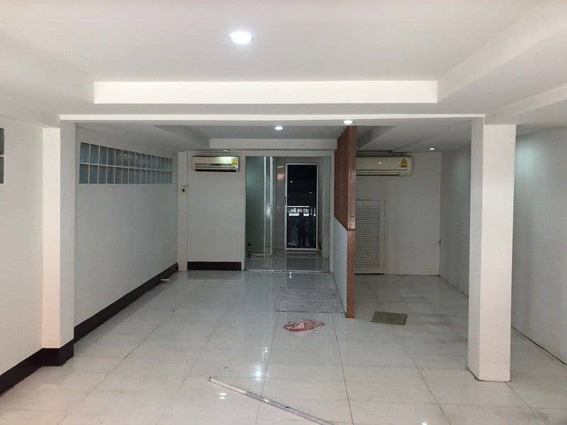2-storey building for rent on the commercial road, get 9500 per month, Petchkasem 102, Economy 32
