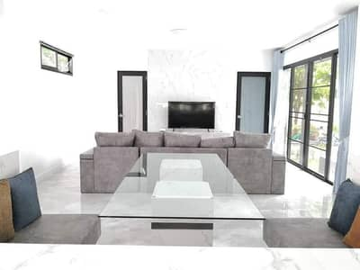 New modern house with beautiful furniture. With private swimming pool in Chiang Mai city