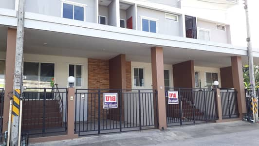 3 Bedroom Townhouse for Sale in Mueang Nakhon Si Thammarat, Nakhonsithammarat - 2 storey townhome for sale, good location behind Big C Om Wachirawut Camp Road Nakhon Si Thammarat Province