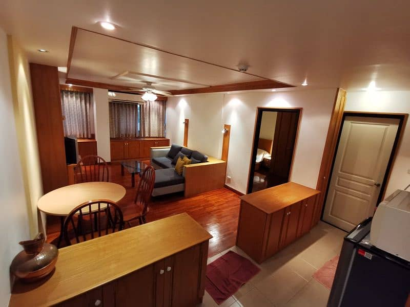 Condo for rent, Soi Sathorn 6, beautiful room in the heart of the city