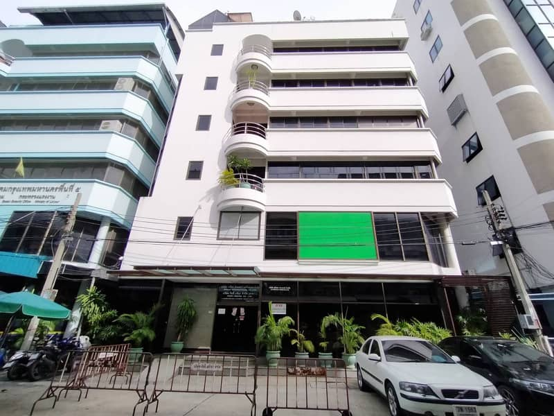 Office building for sale Ratchada-Thapra Road, beautiful decoration, very good location