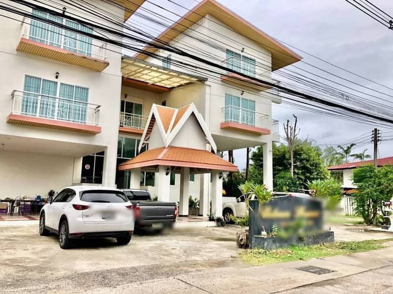 Hotel for sale in Mueang Chiang Mai District