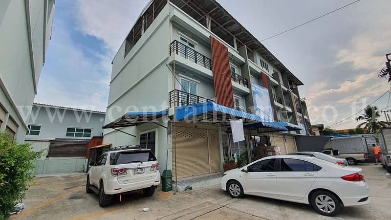 Commercial building Laphawan 22 Bangyai for sale with tenants.