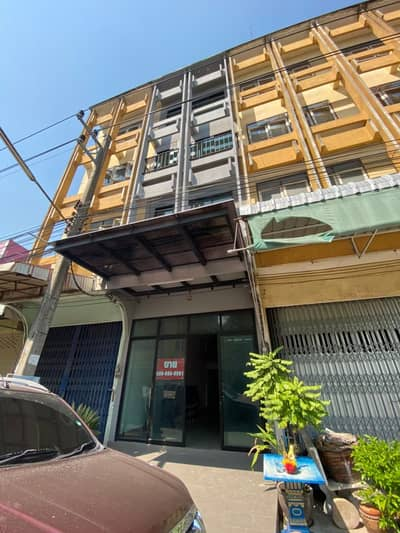 """4 Bedroom Home for Sale in Pran Buri, Prachuapkhirikhan - """"Quick sale, super cheap, less than cost"""" 4-storey townhome for sale in modern style (Behind Krungsri Bank, Pranburi Branch) Owner posted"""