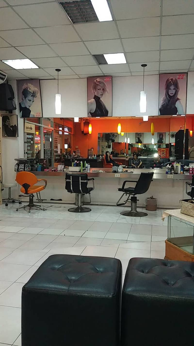 Beauty salon for rent, 30 sq. m. , Silom area, good location, ITF building, ready to operate With regular customers