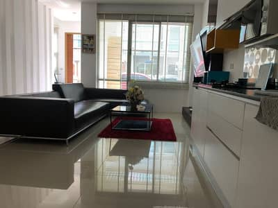 Townhouse ready to move in, fully furnished, urgent sale