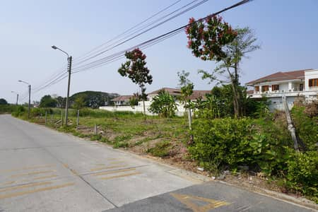 Land for Sale in Saphan Sung, Bangkok - Land for sale Krungthepkritha area 419 sq. w. Close to motorway.