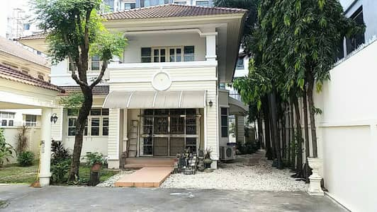 4 Bedroom Home for Sale in Bang Na, Bangkok - Beautiful House soi Lasalle 7  147 sq. w.
