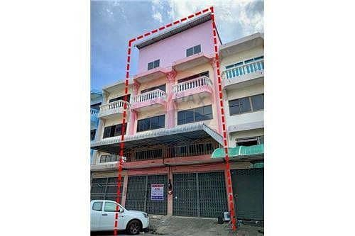 Commercial building for sale, Rama 2 Soi Wat Phanthainorasing Mangmee Srisuk Project, 2 booths
