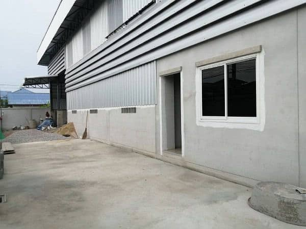 Factory, warehouse, warehouse, and office building for rent, usable area 680 sq m. , Area of Jesada Withi Road, Khok Kham Subdistrict, Mueang Samut Sakhon District, good location