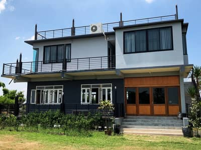 3 Bedroom Home for Sale in Bang Khla, Chachoengsao - riverside  home