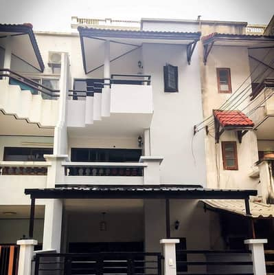 5 Bedroom Townhouse for Rent in Chatuchak, Bangkok - FOR RENT Renovated Townhouse/Office 200m from BTS PhahonYothin 24