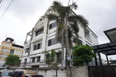 Home for Sale in Bang Na, Bangkok - Building for sale bangna area 93 sq. w. 624 sq. m. Close to central bangna