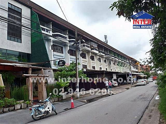 2 commercial buildings adjacent to BP Chiang Mai City Hotel, Mueang District, Chiang Mai Province