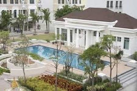 3 Bedroom Townhouse for Sale in Bang Na, Bangkok - House for sale in the middle of British town, Srinakarin, behind the corner, very cheap