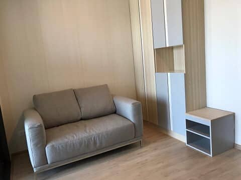 Spectacular High Rise 1-BR Condo at Ideo O2 บางนา