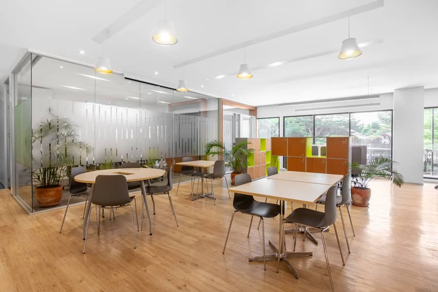 Ready-to-use office space to accommodate a growing team of up to 15