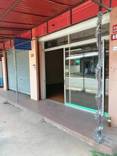 Commercial Space for Rent in Mueang Udon Thani, Udonthani - ให้เช่าห้องทำเลดีติดกระจกราคาไม่แพง