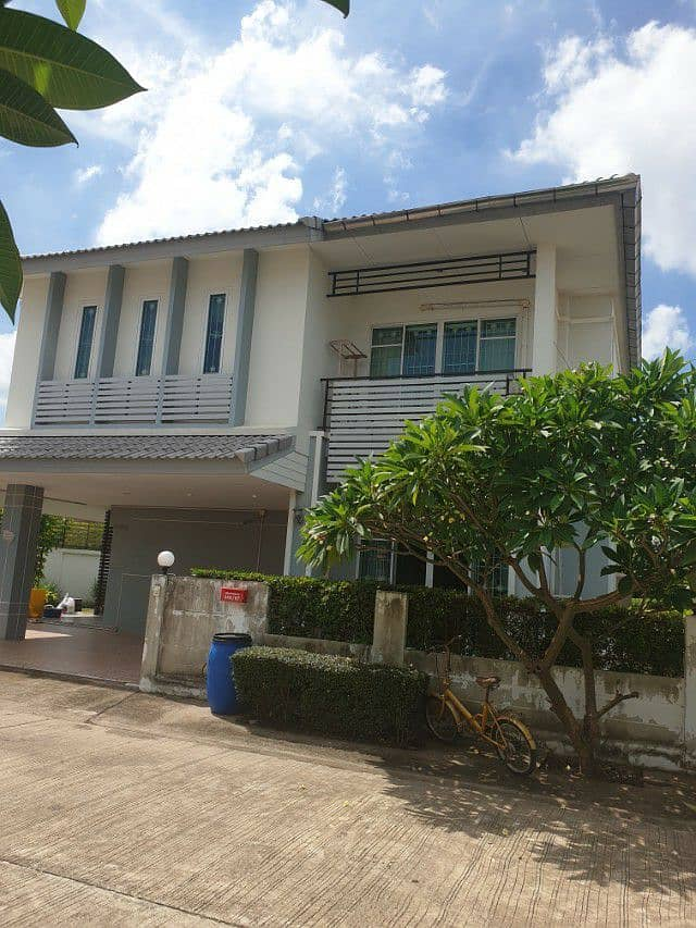 House for rent next to the industrial estate. 304 Prachinburi Immediately carried the bag in