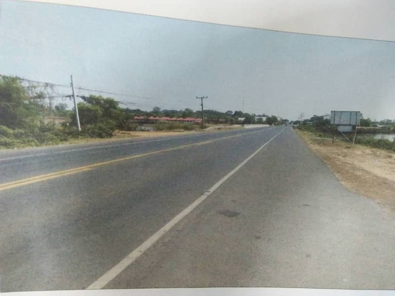Beautiful land at a low price next to the main road near many utilities. Convenient travel