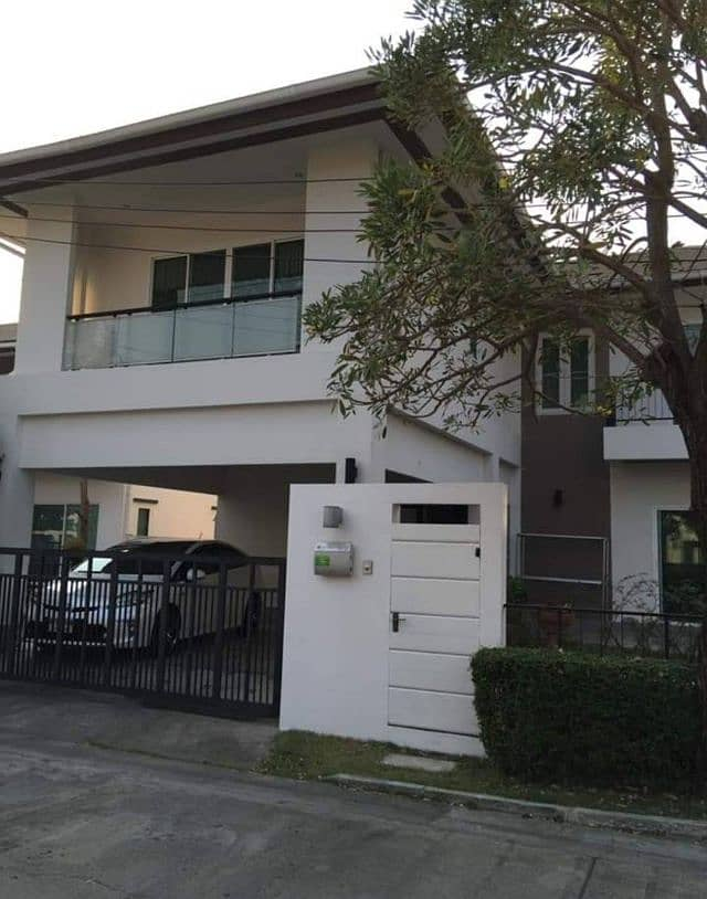 2-storey detached house Modern style in the heart of the city Nirvana Project
