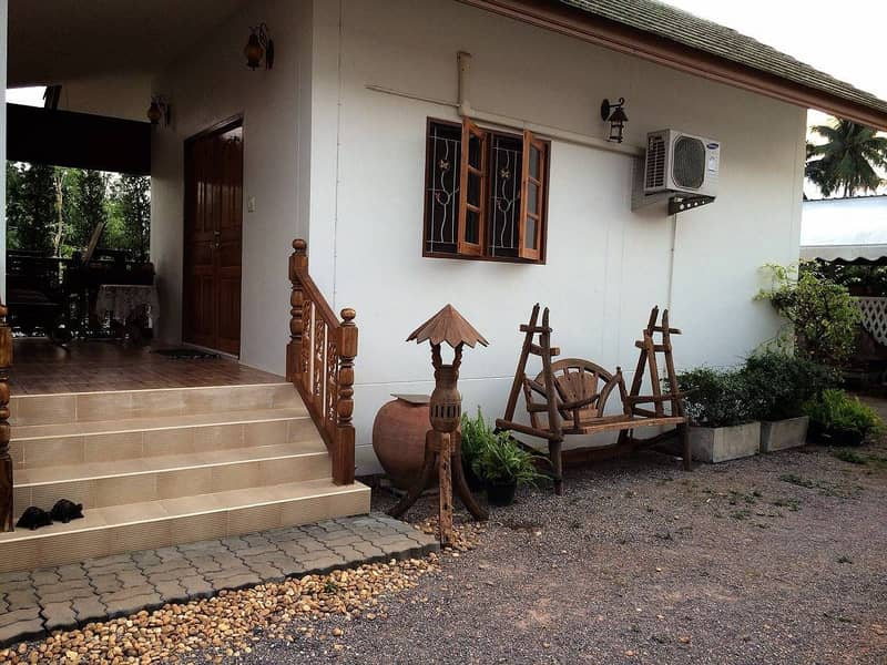 Beautiful house, ready to move in, 200 square wa. , Near Amphawa floating market, only 3 km.