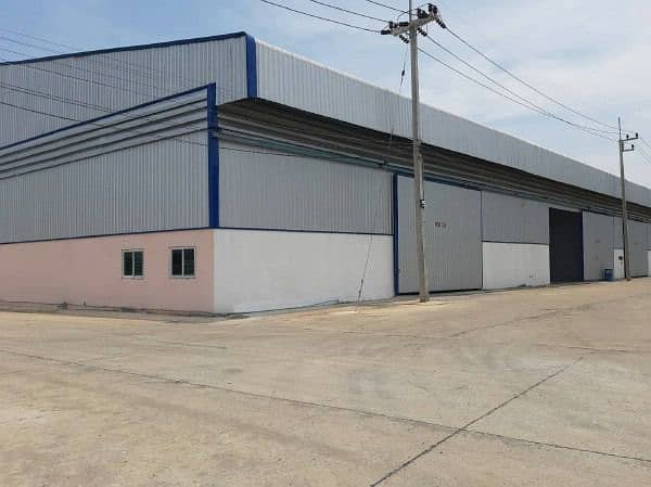 Factory and warehouse for rent, size 480 - 3000 sqm, in Samut Sakhon city area Good location on the main road Access to Sethakit Road and Rama 2 Road, purple area