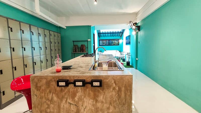 Retro loft style hometown for sale and rent in Chiang Mai downtown, walking distance to Maya shopping mall and One Nimman.