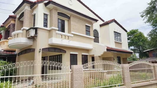 3 Bedroom Townhouse for Rent in Lam Luk Ka, Pathumthani - (Lumlukka K. 2) Townhome for Rent behind the corner of Bussarin 1 Air2unit 3bedroom 2bath rate 11,500 THB.