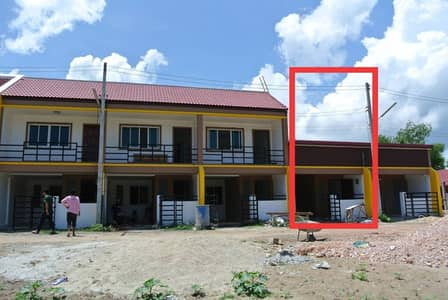 2 storey townhouse for sale, 2 bedrooms, 2 bathrooms, area 20 sq m. New project perfectly decorated. Use grade A material, Songkhla, Singhanakhon Municipality
