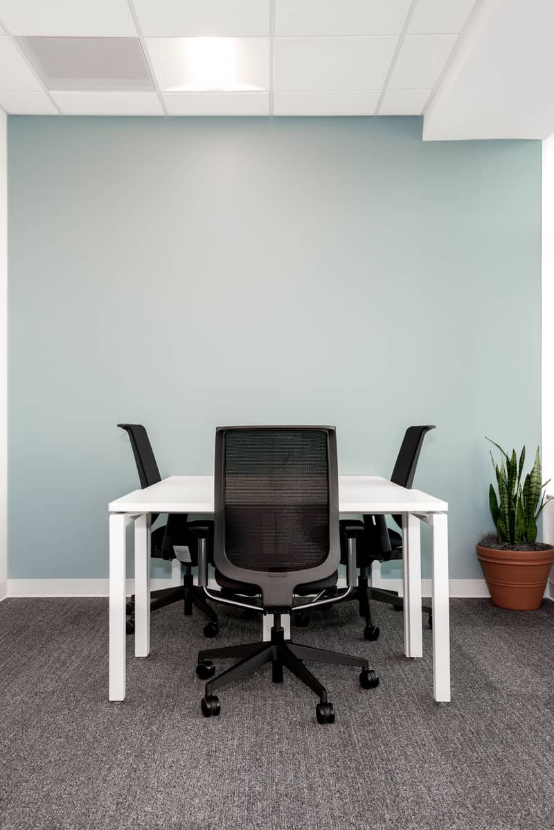 A perfectly sized office environment for three