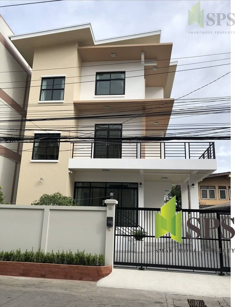 New renovate house in Sukhumvit 64 (SPS-GH146)