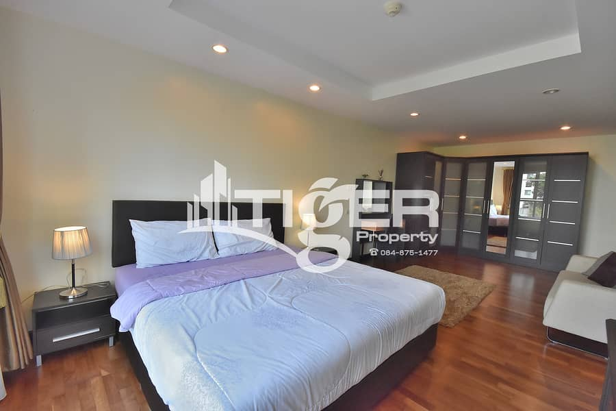 2-bedroom / 2-bathroom unit for rent at Avenue 61, includes a generous balcony and 1x parking space.