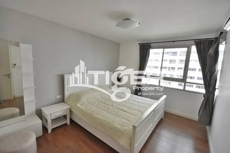 1 Bedroom Condo for Rent in Watthana, Bangkok - 1-bedroom condo for rent at The Clover Thong-lor,very nice room and convenience location. A 10-minute walk from BTS Thong-lor.