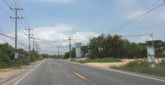 Land for Sale in Mueang Chachoengsao, Chachoengsao - 39357 Land For Sale in Bang Pakong, Plot size 196 rai.