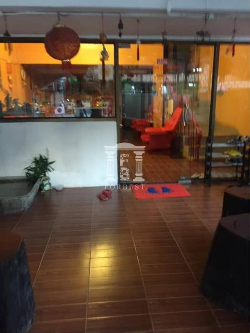 37022 - Townhouse in Sukhumvit 18 Alley for Rent, 28 sq. w.