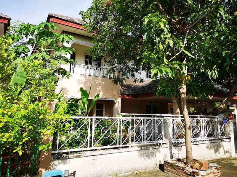 Single house for rent, Suchaya, on the main road, Thanyaburi, Kor. 4 air, 1 body, 4 bedrooms, 2 bathrooms, near Lotus, parking only 13000 baht.