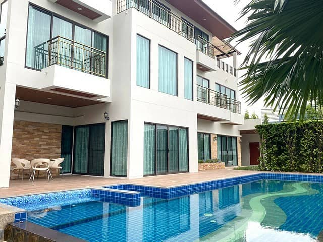House for rent in Rama 9 area with private pool Perfect Masterpiece Rama9 near Airport link Hua Mak Station