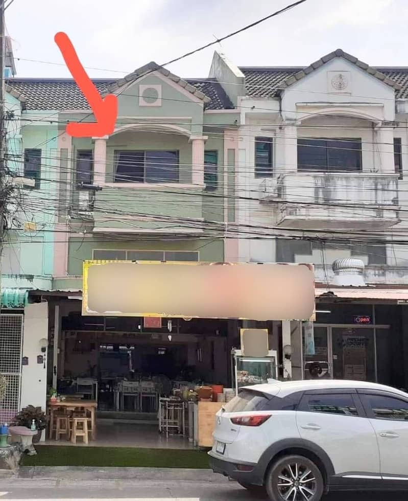 2 and a half storey commercial building for sale, good location, next to the road in Srisuchat Village, Phuket Province