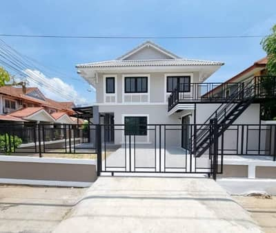 4 Bedroom Townhouse for Sale in Bang Ban, Ayutthaya - พฤกษา 10 หลังมุม