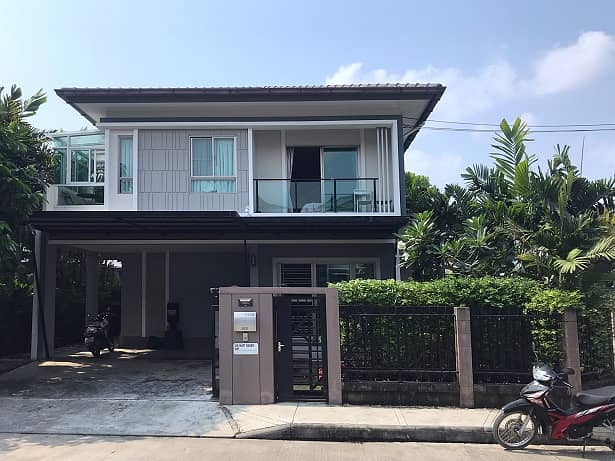 M2065 House for sale Pattanakarn 38 51 Sq. 145 sqm 3 bedrooms 3 bathrooms Sale 9.2 million