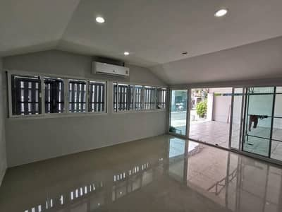 3 Bedroom Home for Rent in Bueng Kum, Bangkok - House for rent in Nuanchan area. Maneeya Village Near the market, Liap express, near Liap express