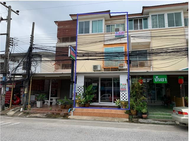 3-storey Shop House for sale with Thai massage shops, near Bangkok Hospital, Rayong, the  best business location