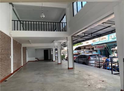 Commercial Building for Sale in Suan Luang, Bangkok - 40116 - Commercial building for sale on Pattanakarn Road. Best location in this area