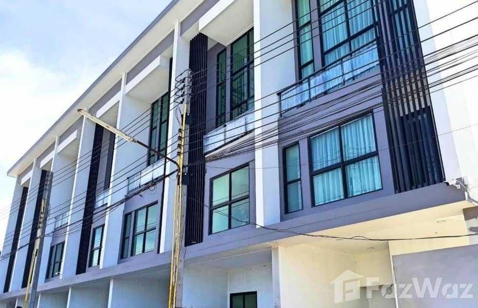 4 Bedroom Townhouse for sale at Town Home Thep Prasit
